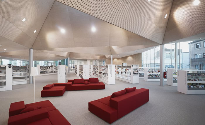 IDM Library - Médiathèque de la Madeleine - Canapé Rayonnage