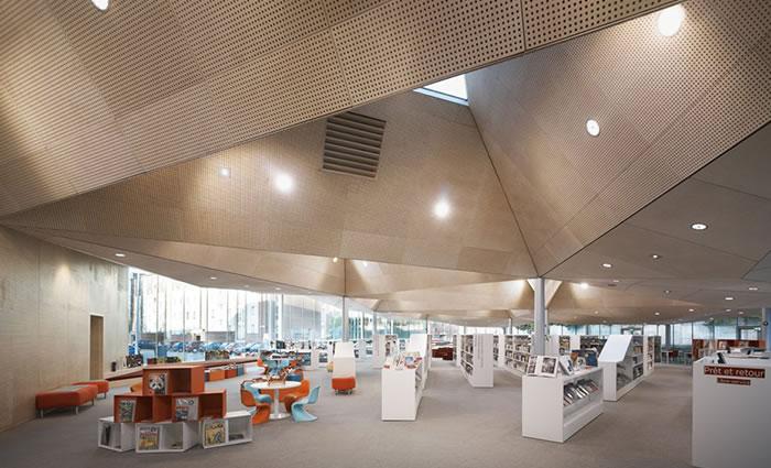 IDM Library - Médiathèque de la Madeleine - Rayonnage bac