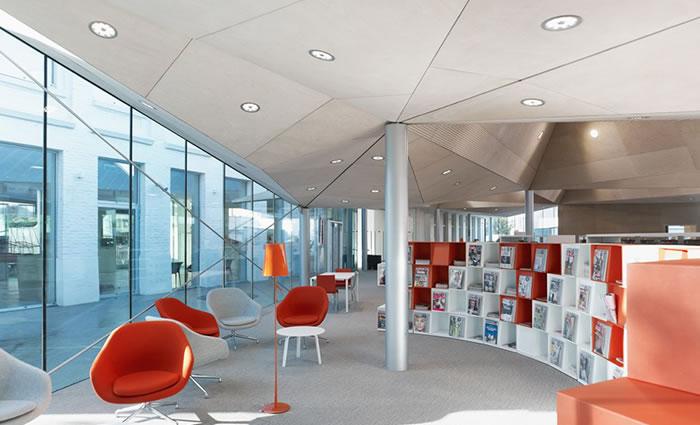 IDM Library - Médiathèque de la Madeleine - Wallbox espace lecture