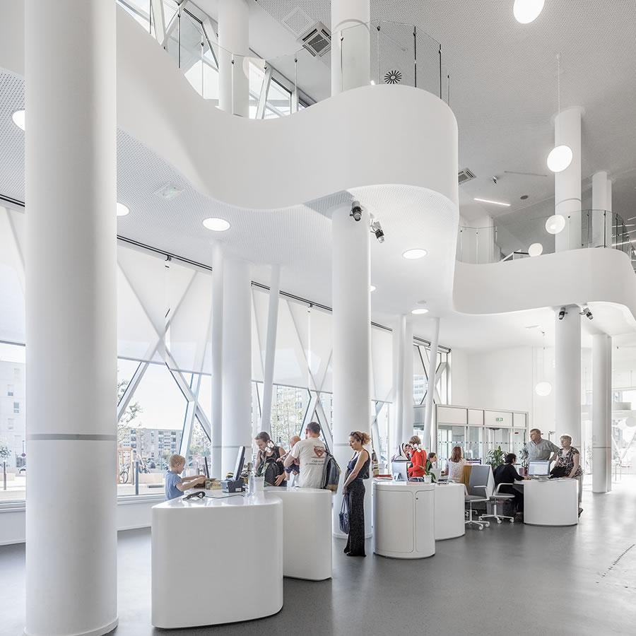 IDM Library - Médiathèque La passerelle Vitrolles - Accueil