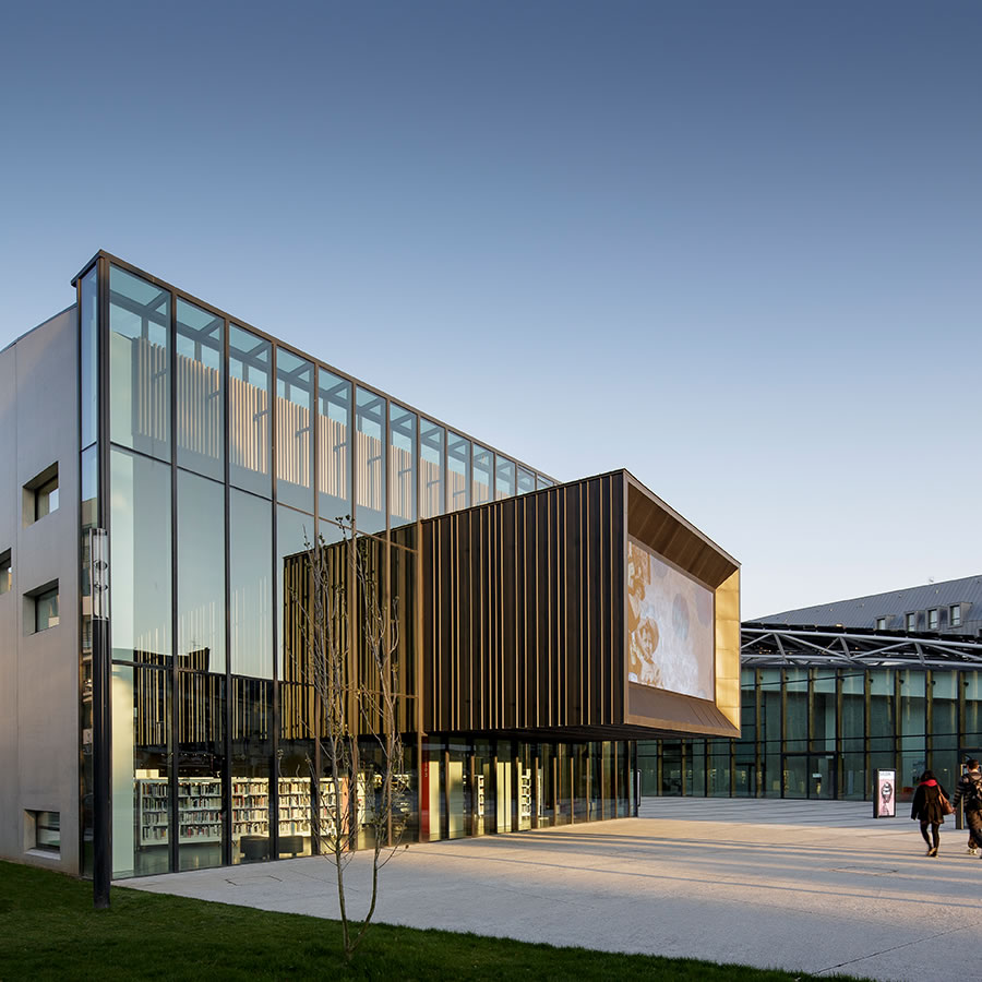 IDM Library - Médiathèque Saint Malo La grande passerelle - Extérieur