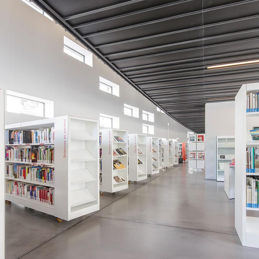 IDM Library - Médiathèque Saint Malo La grande passerelle - Rayonnage