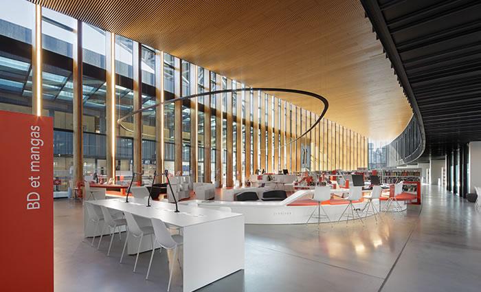 IDM Library - Médiathèque Saint Malo La grande passerelle - Table