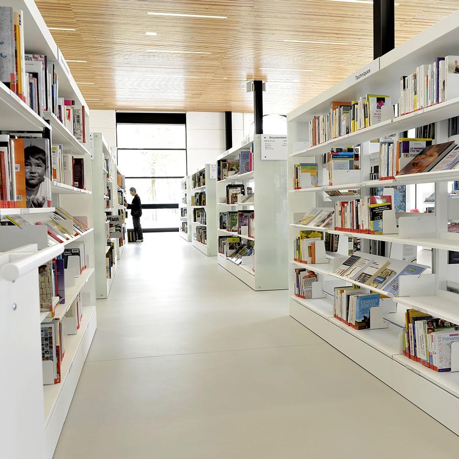 IDM Library - Mediathèque Victor Jara Couëron - Rayonnage rangement livres