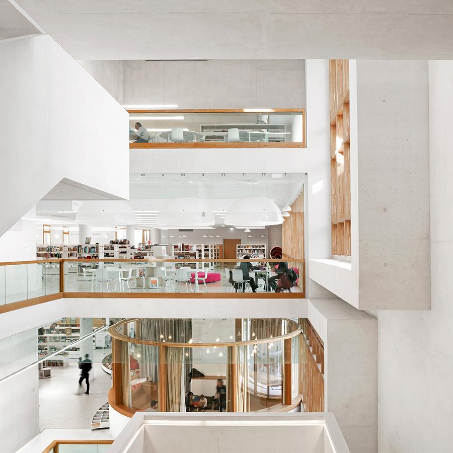 intérieur médiathèque Chalucet Toulon